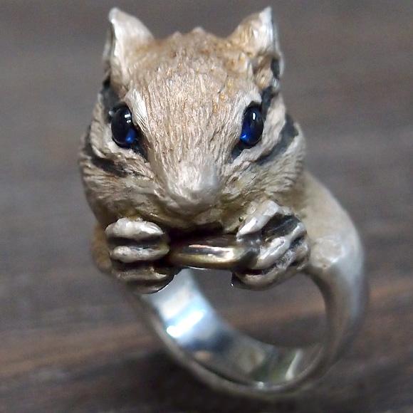 DECOvienya(デコヴィーニャ) 手作りアクセサリー 大きなシマリスリング シルバー [DE-084S] ハンドメイドアクセサリー ジュエリー 動物 アニマル フィギュア 指輪 個性的 可愛い しまりす リアル レディース メンズ 日本製 国産