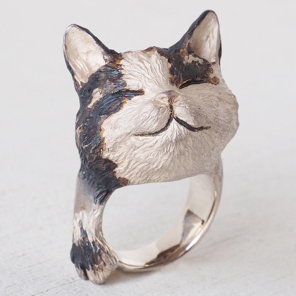 DECOvienya(デコヴィーニャ) 手作りアクセサリー おててネコリング シルバー [DE-146] ハンドメイドアクセサリー ジュエリー 動物 アニマル フィギュア 個性的 可愛い シルバー925 ナチュラル ねこ 猫 cat リアル 日本製 国産 大きめ