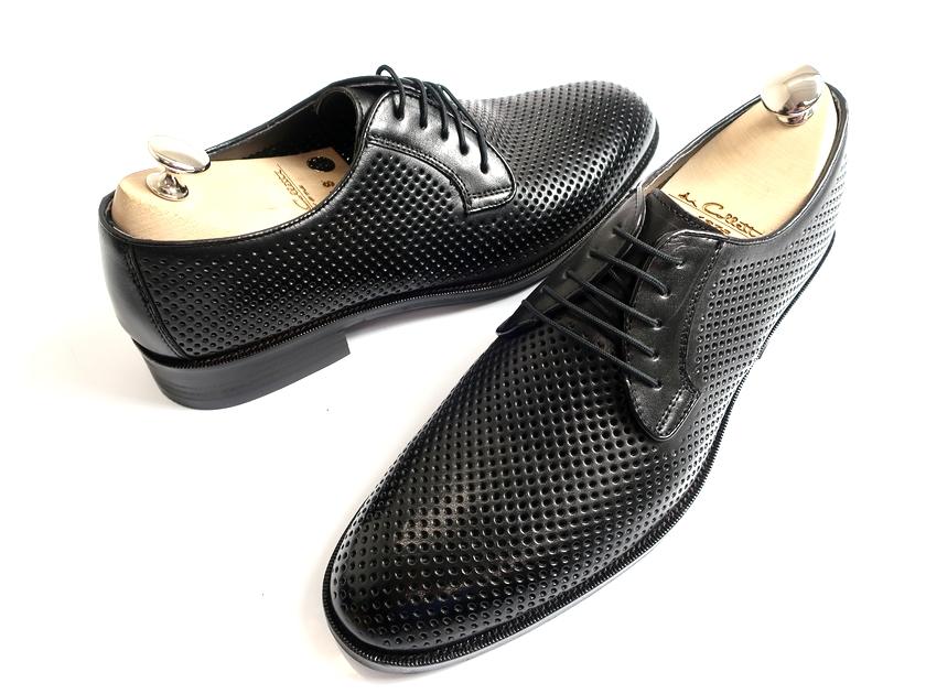 TAKEO KIKUCHI タケオキクチ マドラス社製 日本製 外羽根 プレーントゥ パンチング レザーシューズ ビジネスシューズ 靴 黒 26▲060▼90709k20
