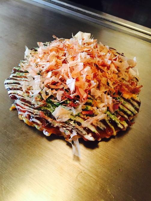 お好み焼きの超定番メニュー 豚玉 くれおーるの は 2枚入り 公式サイト 玄米粉を混ぜ込むことで ふわふわで軽い食感を演出しています 登場大人気アイテム