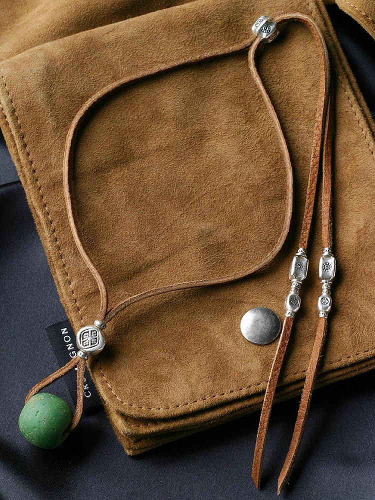 カレン 族 シルバー 1400年以上前 アンティークビーズ 緑 鹿革紐 ネックレス メンズ レディース フリーサイズ