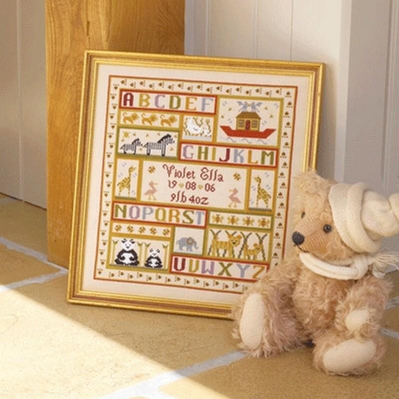 クロスステッチ刺繍キット Historical Sampler - Animal Patchwork Birth Sampler