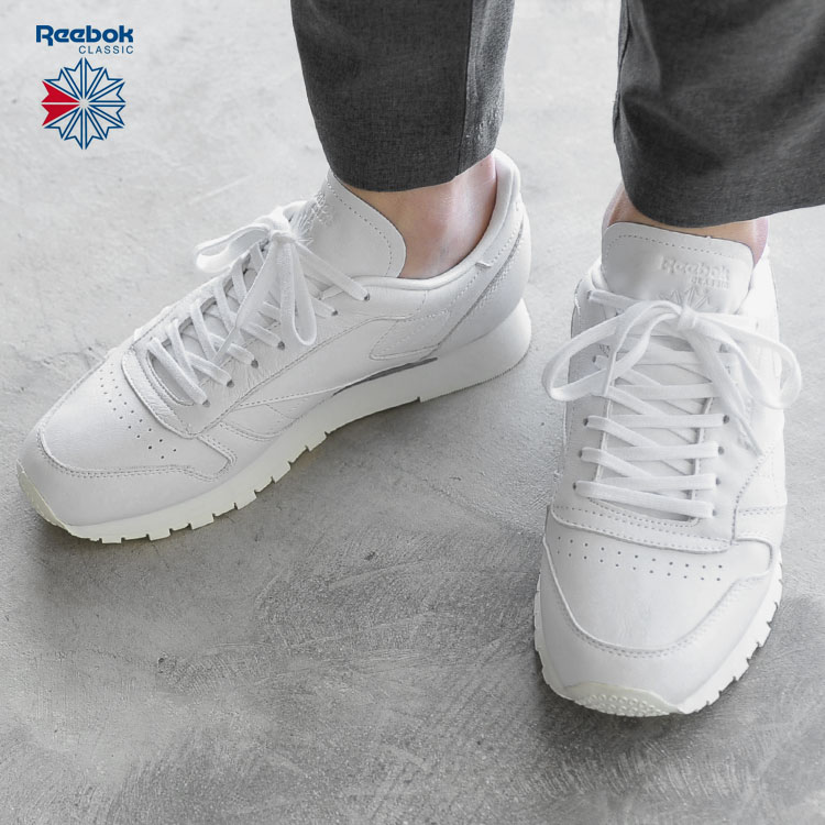 b193338892f CL LEATHER OMN classical music leather sneakers. A model  A 173cm 58 kg  wearing color  White (BD1905) wearing size  8.5 (26.5cm). The Reebok  Reebok