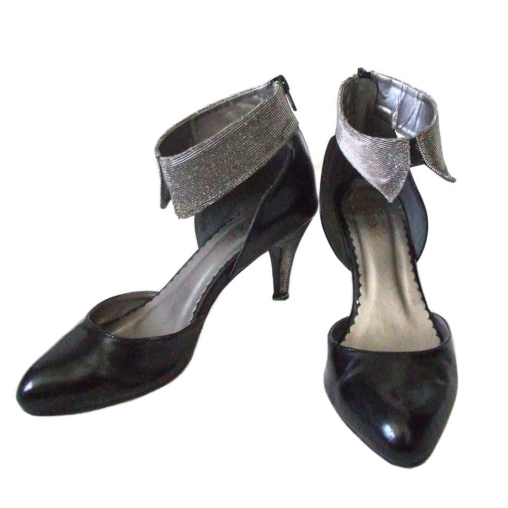 \3980以上購入で 送料無料 axes famme アクシーズ ファム 品質検査済 ラメベルトヒールパンプス 靴 黒 中古 110612 迅速な対応で商品をお届け致します ロリータ シューズ