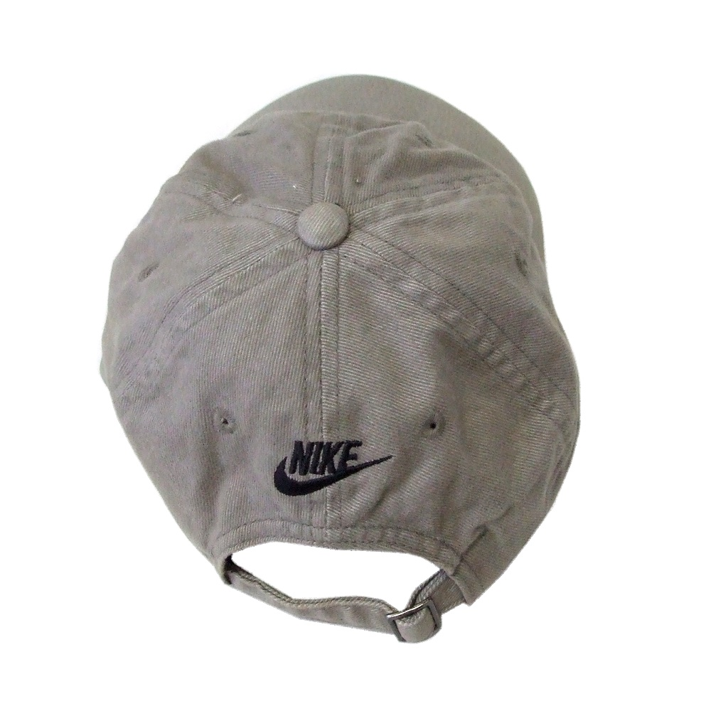 fa7acd098a5 CROWN STORE - USED BRAND CLOTHING STORE  NIKE Nike classical music ...