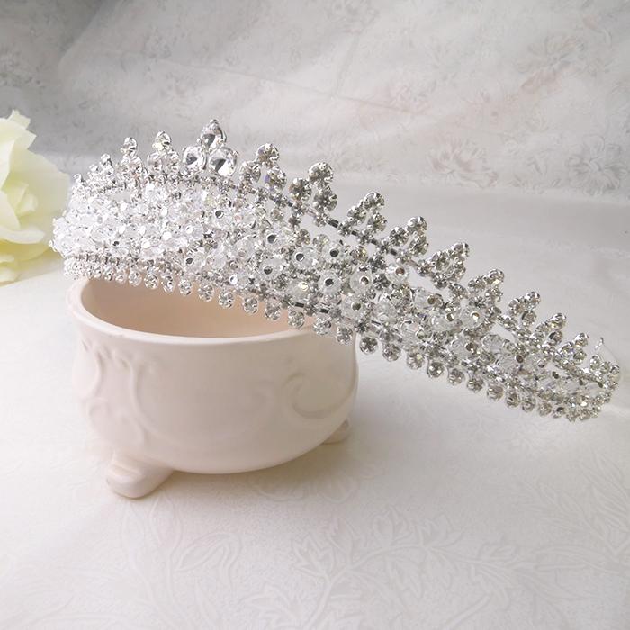 ティアラ tiara 大規模セール キラキラティアラ ゴージャス ビジュー 注文後の変更キャンセル返品 クリスタル ウエディングヘア 送料無料 ヘッドドレス ウエディングアクセサリー 結婚式アクセサリー