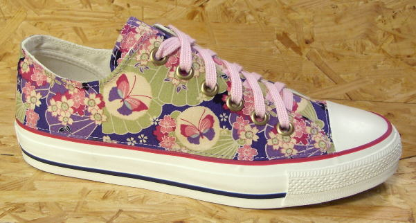 【和柄 蝶×桜】●こだわり派の方やコンバースのオールスター派のオシャレさん必見のスニーカーです!