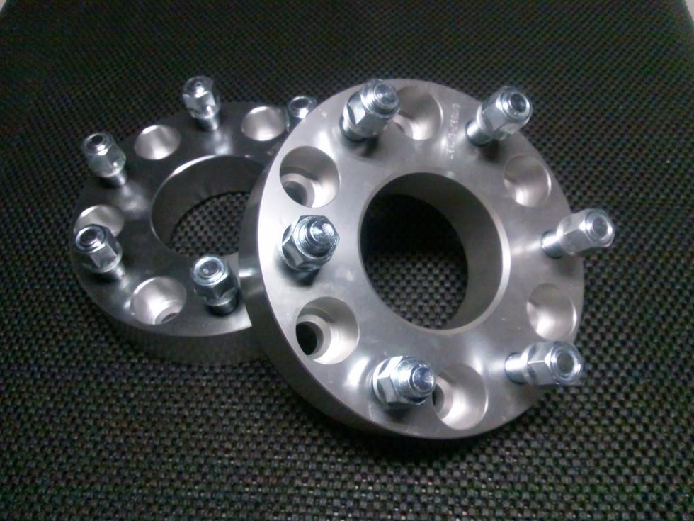 ワイドトレッドスペーサー6H139.7 38.1mmデリカ・ランクル・パジェロキャラバン・ハイエース