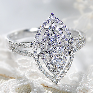 ☆pt900 ダイヤモンド 取り巻き リング 【0.7ct】☆/【送料無料】【刻印無料】【代引手数料無料】【品質保証書】豪華 二重取り巻き プラチナ ダイヤ リング ダイア 指輪 レディース ジュエリー プレゼント diamond platinum ring