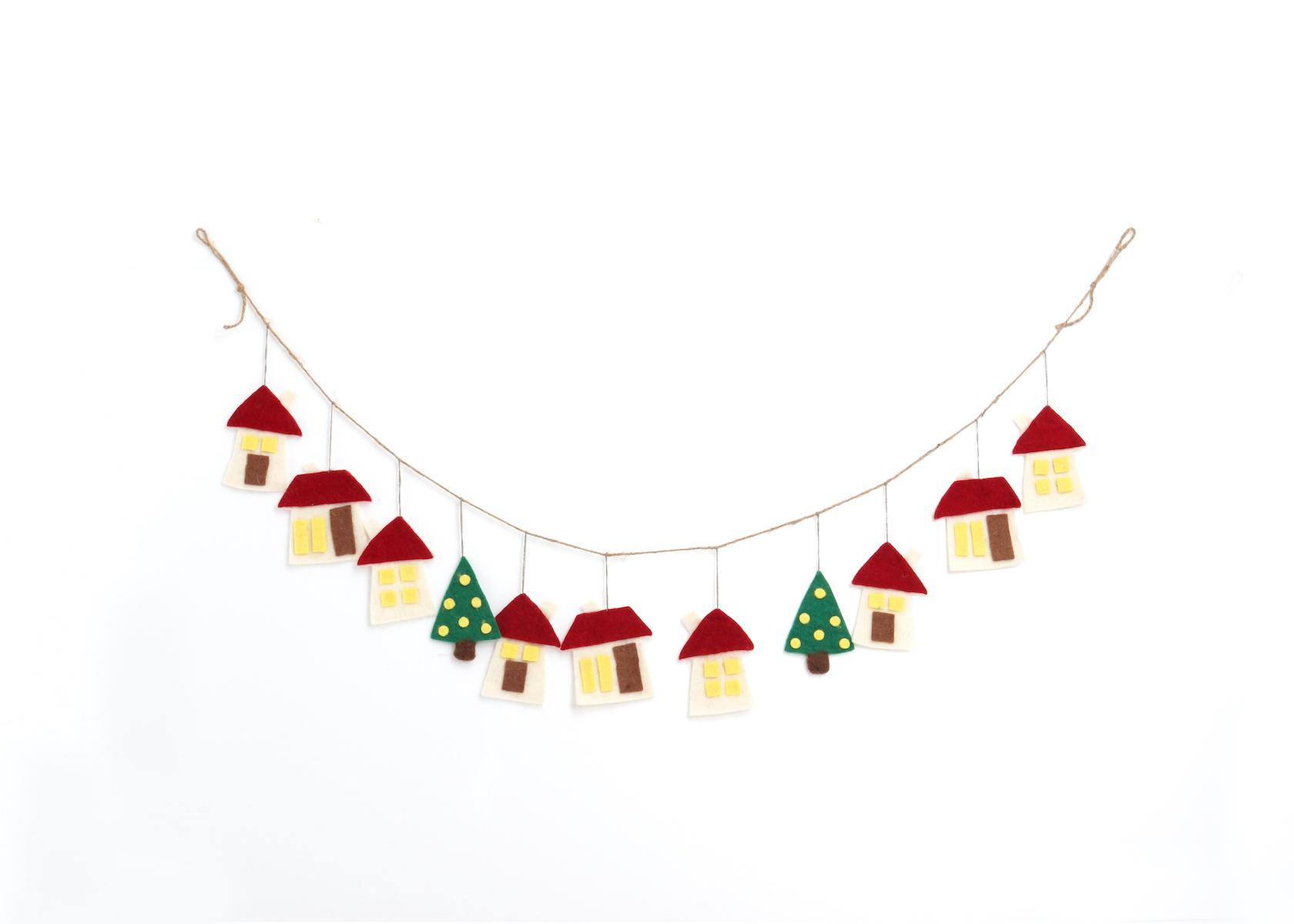 驚きの値段で 温かみのあるウールフェルトをひとつひとつ心をこめて手作りしたクリスマス オーナメント達 merry ハウスガーラント ウール100% [宅送] カラー:RED