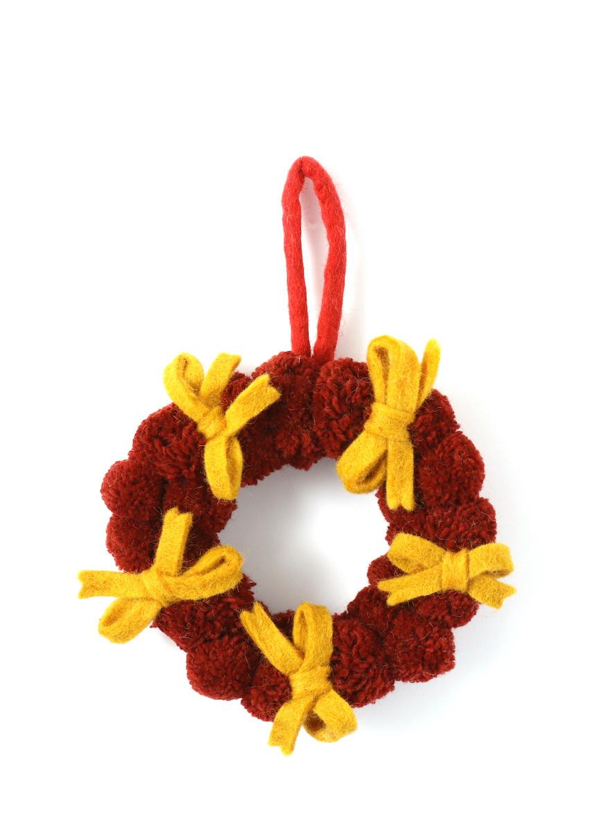 温かみのあるウールフェルトをひとつひとつ心をこめて手作りしたクリスマス オーナメント達 merry ポンポンリボンリース ウール100% カラー:RED ☆新作入荷☆新品 お金を節約