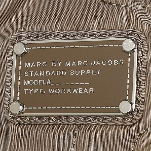 마크바이마크제이코브스토트밧그 MARC BY MARC JACOBS 밧그마크바이마크제이코브스밧그 MARC BY MARC JACOBS M3PE070 80113 PRETTY NYLON TATE 토트밧그크워트그레이 QUARTZ GREY