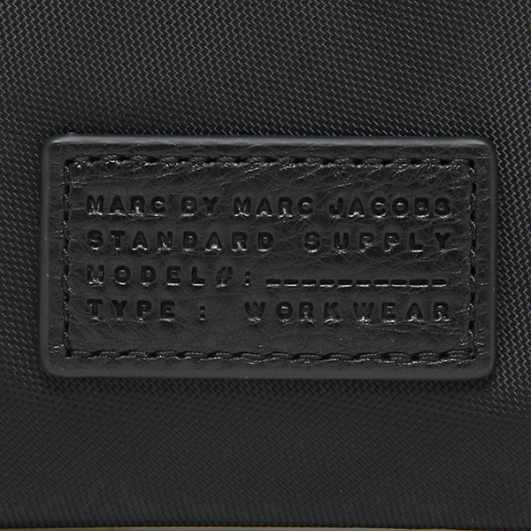 마크바이마크제이코브스포치 MARC BY MARC JACOBS M0006037 001 DOMO ARIGATO COSMETICS SMART CASE 클러치 가방 BLACK