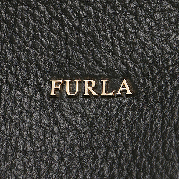 Tote bag of FURLA (full lah) is available