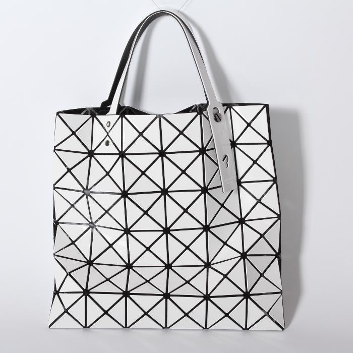 d9e1f8afef86 BAOBAO Baobao ISSEYMIYAKE Issey Miyake BB61AG053 01 LUCENT BASIC White gloss  Tote hand shoulder bag lightweight universal popular commodity classic rare  ...