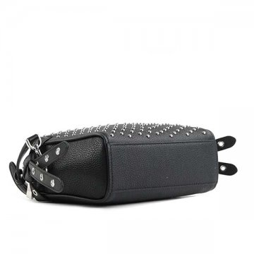It is a shoulder bag at Michael Kors MICHAEL KORS 30H7SZKM2I BRISTOL BLACK 001 bias