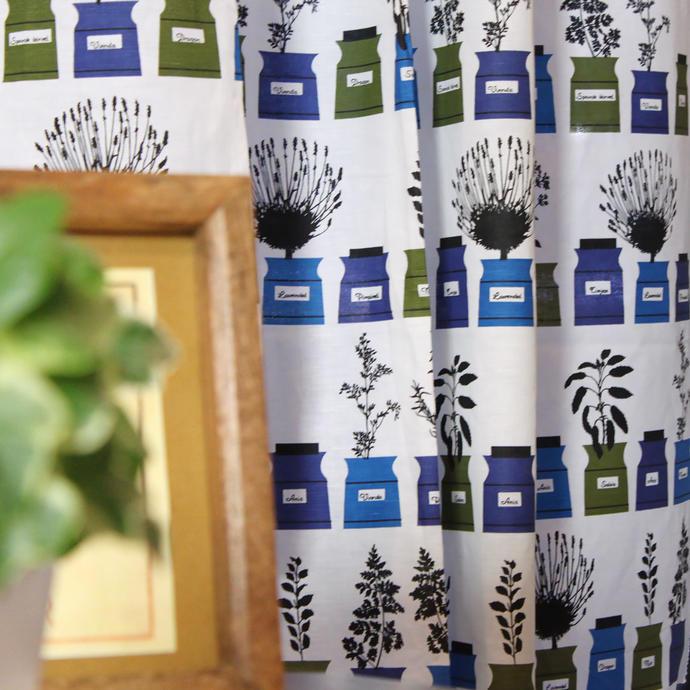 北欧カーテン アルメダールス almedahls ペーションズ クリッドスコープ ブルー オーダーカーテン 北欧ブランドカーテン スパイスポット 観葉植物 ポップアート スウェーデン おしゃれ かわいい 爽やか Astrid Sampe アストリッド・サンペ