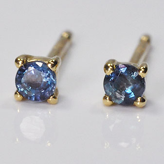 stud earrings white round in created gold alexandrite