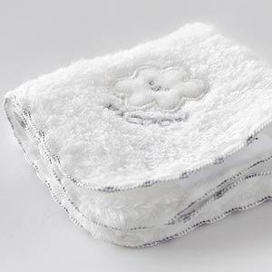 送料:全国一律250円 ミニミニサイズふわふわかわいいタオル お口拭きや お手てに握らせたりちいさいベビーにぴったり メール便 爆買い送料無料 可 白雲 HACOON ネコポス 新作 人気 ベビーハンカチ