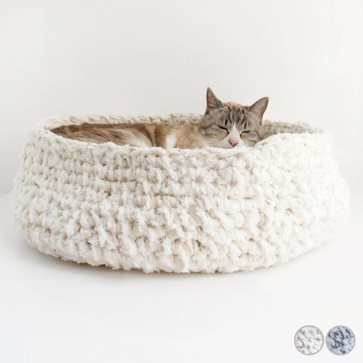 新着セール 国産猫用ベッド 広島県産デニムを 岩手の裂き編み職人が手編み 動きに合わせて変形するから ストレスフリー ランキングTOP5 あみあみベッド 猫 ベッド 日本製 マット付き