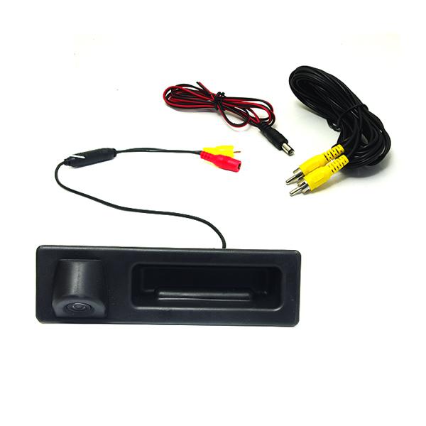 小型 CCDリアビューカメラ トランクハンドル交換式 BMW BM ブラック 黒 高画質 バックカメラ 後付け 汎用 ライセンスランプ カーナビ モニター DIY 社外 エアロ 等多数取扱い有