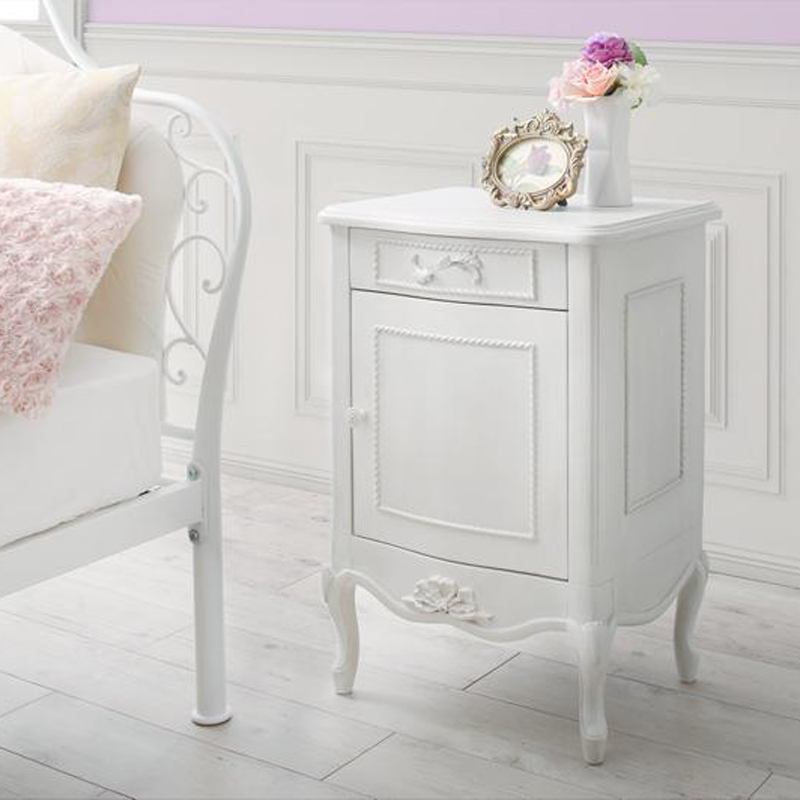 オトナ女子にもぴったりなクラシカルプリンセスベッドシリーズ Couronne クロンヌ サイドテーブル W40