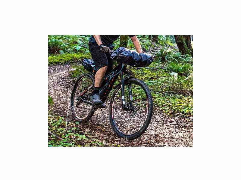 ()【BLACKBURN】(ブラックバーン)アウトポストエリート フレームバッグ <ミディアムショート>(自転車)0768686155321
