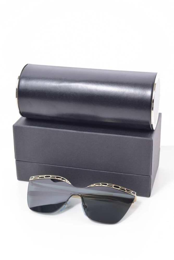 人気 おすすめ レディース ブルガリ サングラス メガネ 美品 - BVLGARI ブラック 贈答品 Serpenteyes 中古