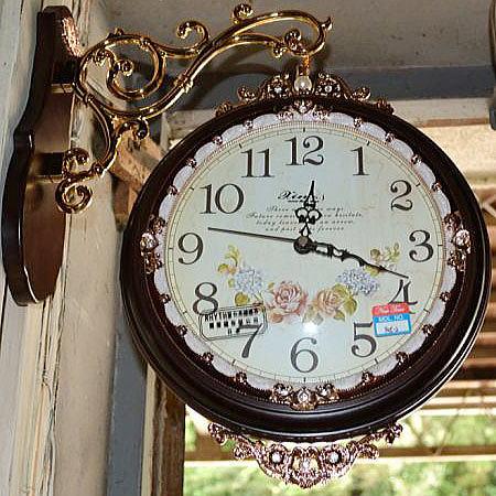 輸入雑貨:可愛いお花の両面時計:茶【送料無料】