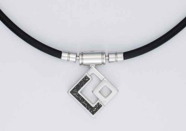 Colantotte(コラントッテ) TAO ネックレス AURA Limited イ ボミ モデル ブラックラメ Mサイズ(43cm)