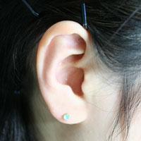 3 millimeters of シーブルーカルセドニー round pierced earrings