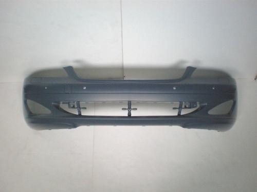 ベンツ W221 Sクラス S500車体番号での適合確認をお願いします。純正 フロントバンパー(PTS付き)OE番号:22188010409999