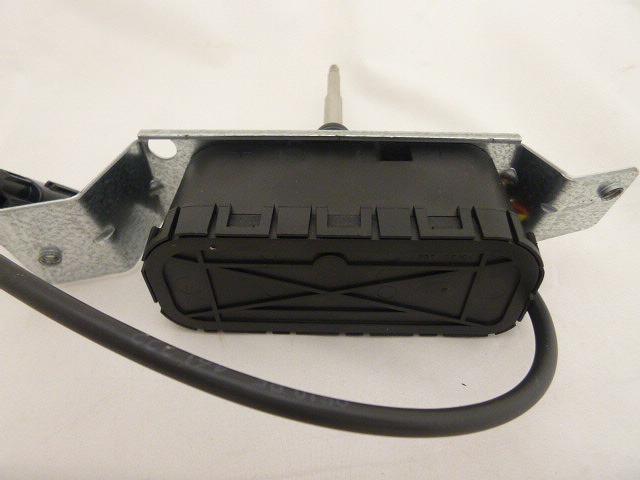 VOLVO S70・V70純正 左ヘッドライトワイパーモーターOE番号:8620959必ず車体番号で確認をお願いします。