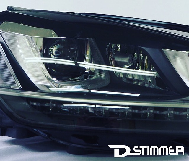 Volkswagenキセノンヘッドランプ右側(純正品・新品)GOLF7(5G型)純正番号:5G2941754D