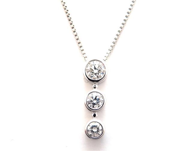 ノンブランドジュエリー ネックレス K18ホワイトゴールド ダイヤモンド0.30ct 3.5g【205】【中古】【大黒屋】