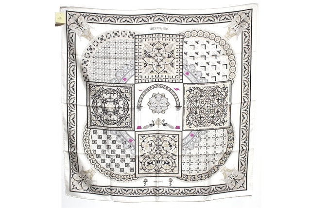 HERMES エルメス 衣料品 スカーフ カレ90 CIELS BYZANTINS (ビザンチンの空 ) シルク クロ ホワイト ピンク 【200】【】【大黒屋】