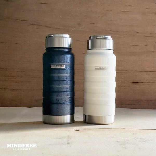 真空二重構造で抜群の保温 保冷性能 水筒 MINDFREE 真空二重ステンレスボトル 550ml MF-05 マインドフリー 携帯用魔法瓶 ネイビー ホワイト おしゃれ カクセー 買収 冷蔵庫 0.55L 中古 かっこいい まほうびん 送料無料