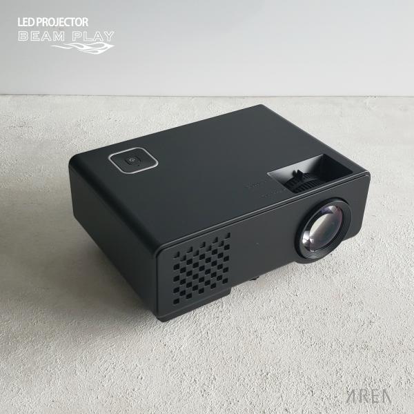 [LEDプロジェクター]AREA LED PROJECTOR BEAM PLAY SD-PJHD01(小型・コンパクト・フルHD1080P対応・1000ルーメン・35~120インチ相当・HDMI・USB・ビデオRCA・PCパソコン・VGA・3.5mmイヤホン出力・リモコン付き・映画・ゲーム・fireTV)エアリア