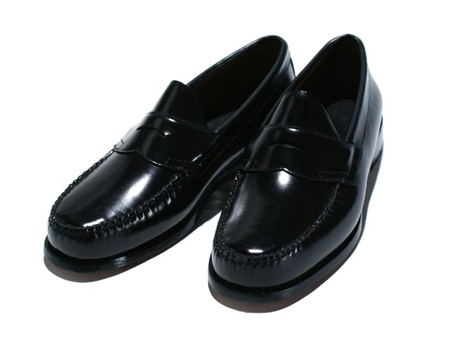 e5e25808807 As the company made loafers in the world famous American brands  G.H.BASS   WEEJUNS Logan penny loafers now available! Use the classy leather in the  upper ...