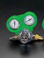 【★店内ポイント2倍!★】エスコ ESCO 酸素調整器(関西形・雄ネジ/保護カバー付) EA316AA-1 [I030103]