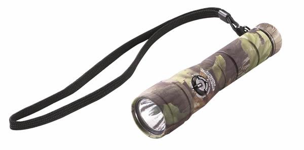 LEDライトならダイシン工具箱におまかせ ストリームライト 当店一番人気 卓抜 STREAMLIGHT #51057 パックメイトカモフラージュグリーン E011000
