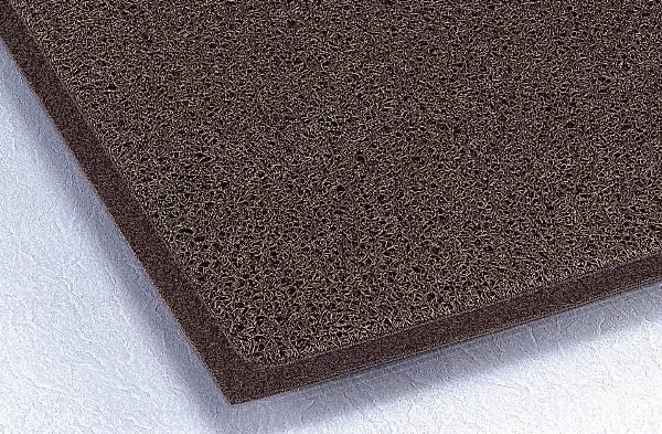 細いコイルで細かい砂やホコリまで落とします。ケミタングルソフト 900×1500mm