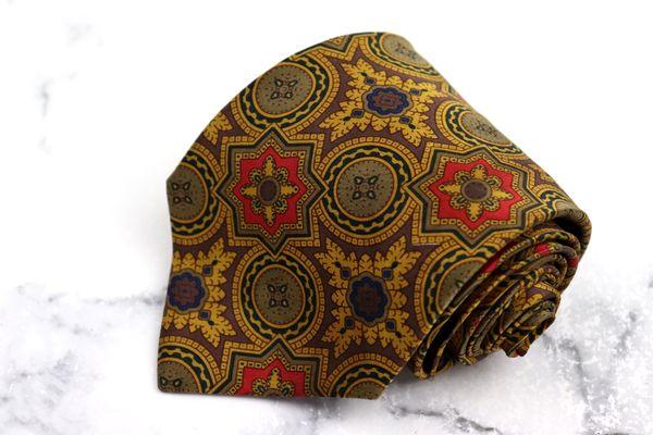 日本未発売 ジャンフランコフェレ GIANFRANCO FERRE ブランド ネクタイ ゆうパケット 送料無料 総柄 良品 中古 イタリア製 シルク 人気ブレゼント! ブラウン
