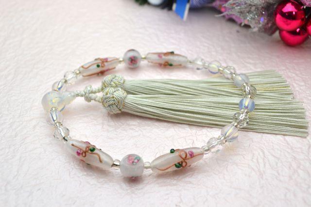 ボヘミアビーズ女性用数珠 エレガント(ホワイト)【略式数珠】【ボヘミアンガラス】【冠婚葬祭】【母の日】【入学祝】【就職祝】【結婚祝】