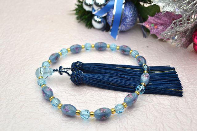 ボヘミアビーズ女性用数珠 スリーフラワーナツメ(ライトブルー)【略式数珠】【ボヘミアンガラス】【冠婚葬祭】【母の日】【入学祝】【就職祝】【結婚祝】