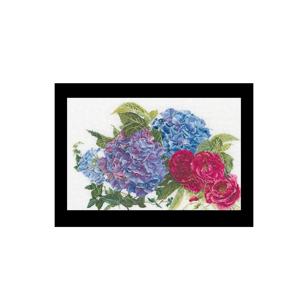 テア グーベルヌール クロスステッチ刺繍キット 【Hydrangea & Rose】中級者ー上級者向き ☆お取り寄せキット(納期は30-90日程度)