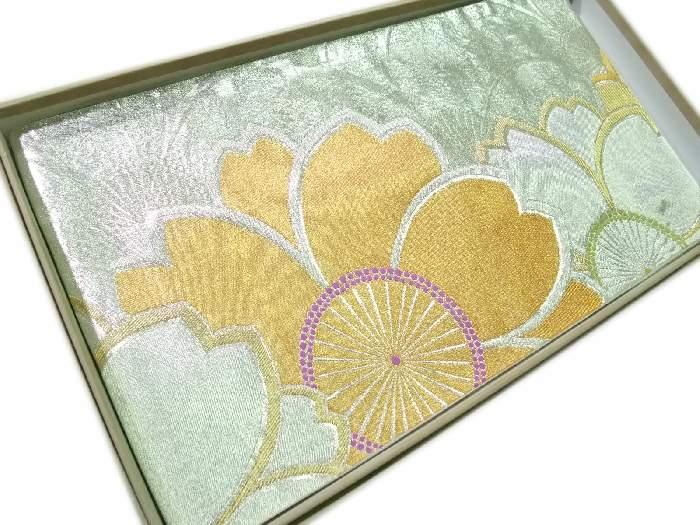 【送料無料】袋帯 正絹 西陣 銀色と金色の豪華な花模様 新品 hu496