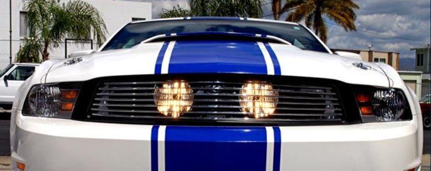 2010年~2012年フォード マスタング用 フォグライト付きビレッドグリル [ロサンゼルスで大人気][自社輸入価格][送料無料][アメ車][逆輸入車][デイブレイク]