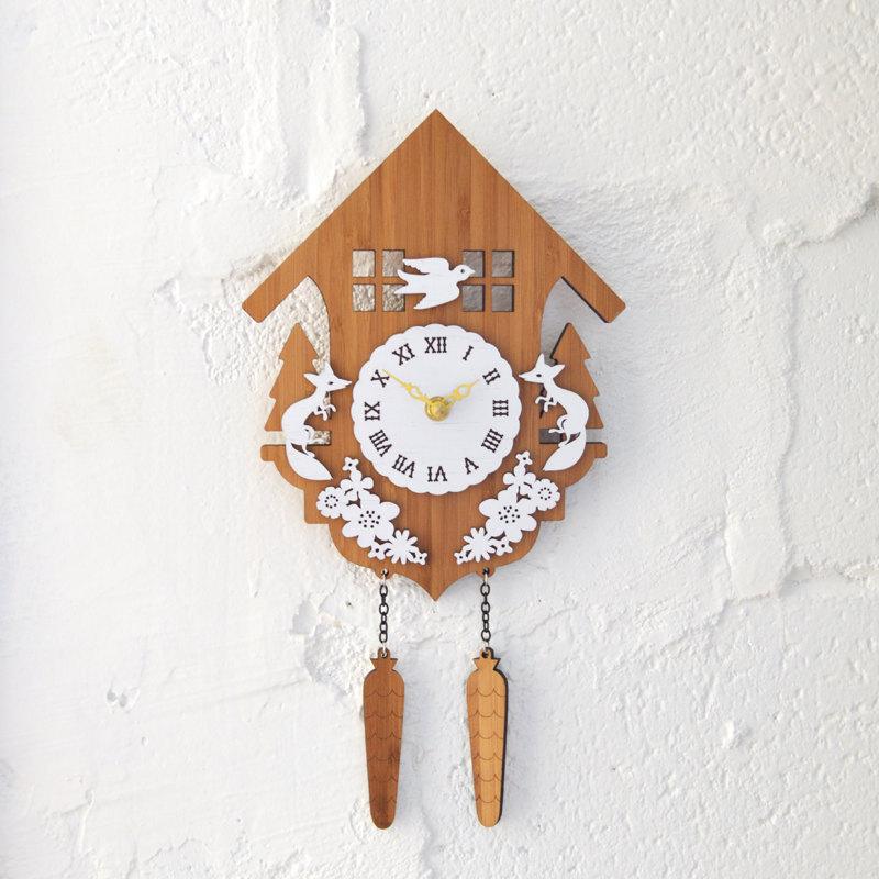 DECOYLAB デコイラボ CUCKOO B 時計 壁掛け 鳩時計 カッコー かわいい 竹でできたナチュラルな素材で、カチカチ音がしない静音設計です。可愛らしい動物のシルエットや自然をイメージできるようなデザインです。