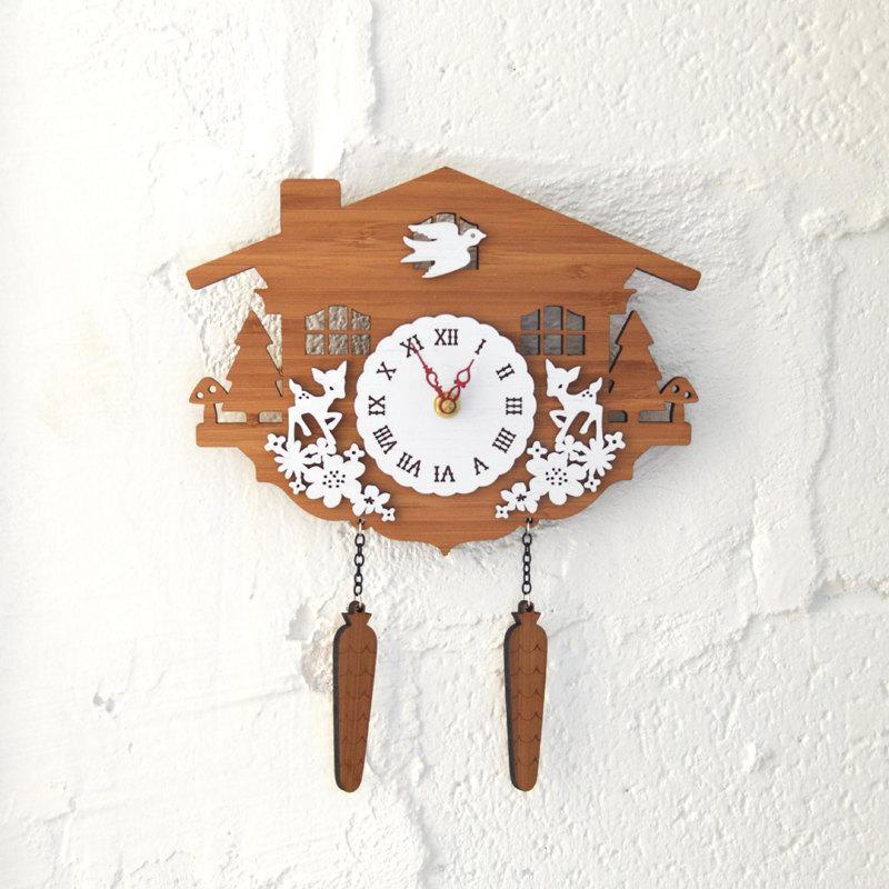 DECOYLAB デコイラボ CUCKOO C 時計 壁掛け 鳩時計 カッコー かわいい 竹でできたナチュラルな素材で、カチカチ音がしない静音設計です。可愛らしい動物のシルエットや自然をイメージできるようなデザインです。